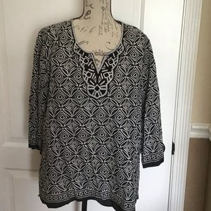 1X Dressbarn Black White Geometric Tunic